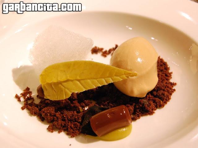 Helado salado [Las dos cafeteras], choco, pistacho, trufa y citronella