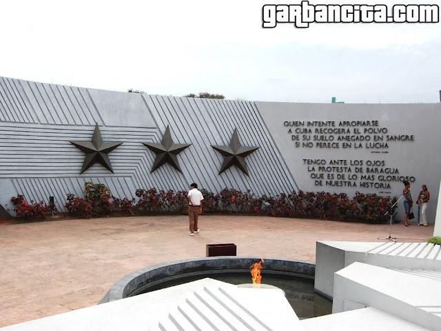 Memorial por los héroes de la Revolución