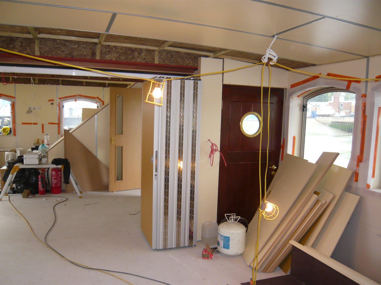 CYEs New Ship Blog Room divider galley floor galley shutter
