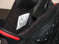 Comparison of 2010 Retro Air Jordan VIs to Counterfeit - Tags