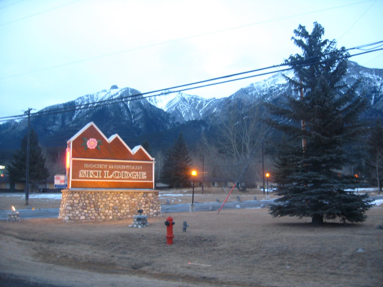 Romantic ideas for married couples in calgary romantic for Ski cottage