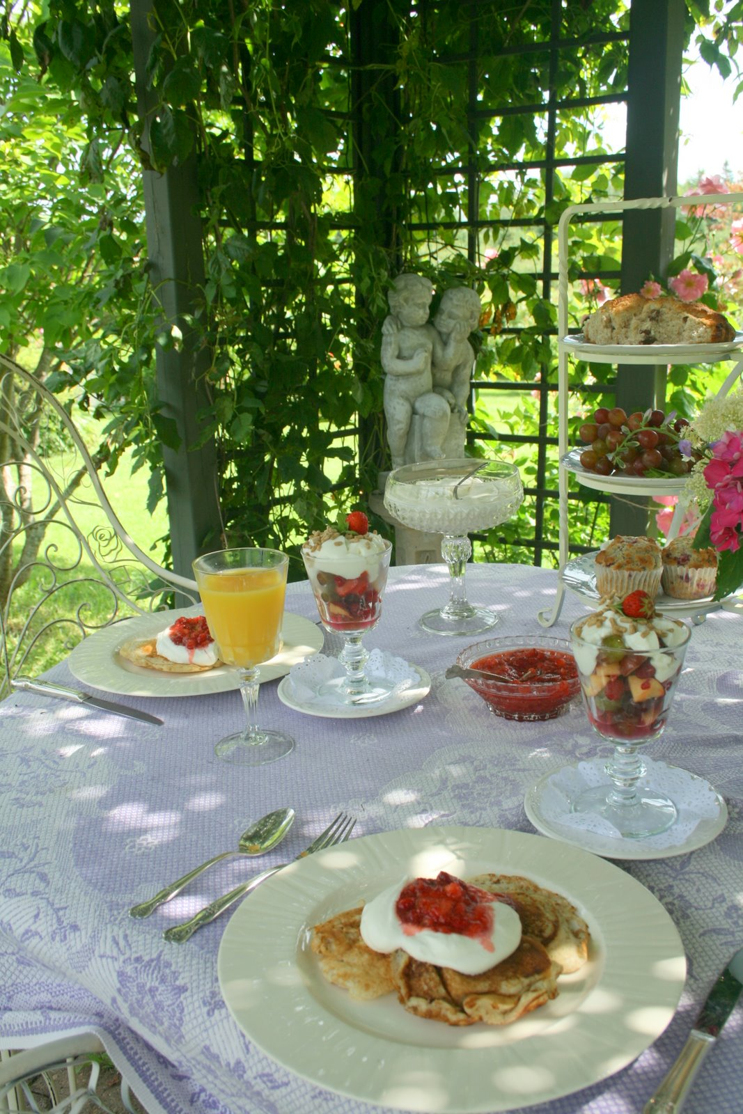 Aiken house gardens breakfast in the terrace for The terrace brunch