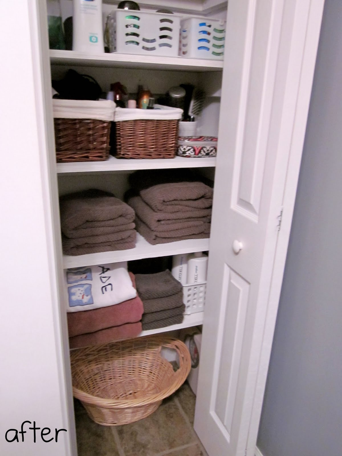 iheart organizing reader space a linen closet story