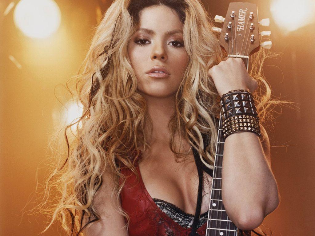 http://3.bp.blogspot.com/_CmZKA3Ups40/TVKnOI_Wc_I/AAAAAAAAAEI/k2m-xfXpQdA/s1600/Hot-Sexy-Shakira-Wallpaper7.jpg