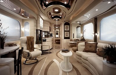 Amazing House In the Bus
