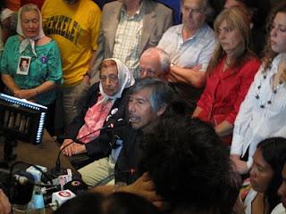 Felix Díaz en la conferencia de prensa