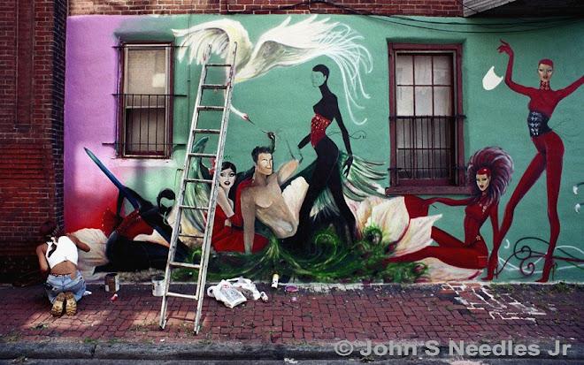 6_PHOTOJOURNALISM_ Mural Artist_Philadelphia