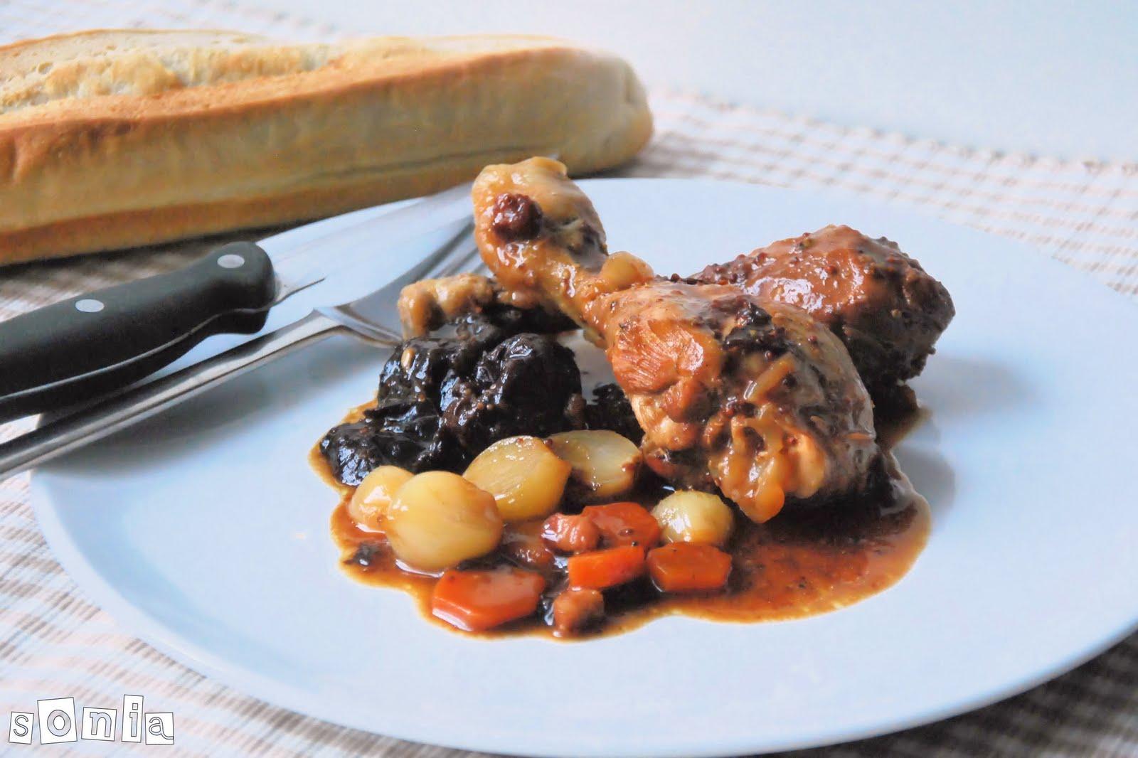 Guisado de pollo con setas y salsa de almendras