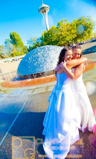 trash the dress seattle photos and pictures seattle center international fountain