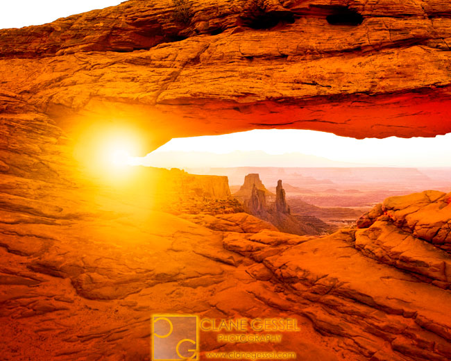 Mesa arch in Utah canyonlands national park during a sunrise