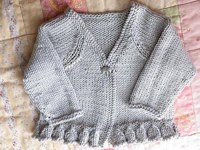 knittingaugust 4 medium Kız ve Erkek Bebekler İçin Örgü Hırka Modelleri