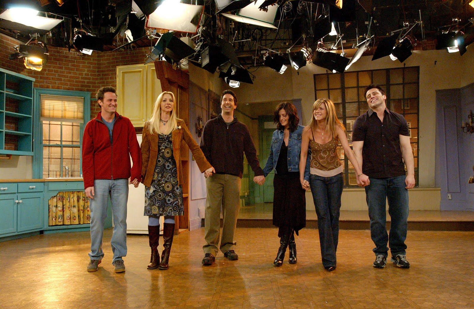 http://3.bp.blogspot.com/_Ct1WWXQ8KLo/TNcqVQI86CI/AAAAAAAABhQ/eqINzTN_0kY/s1600/friends+finale.jpg
