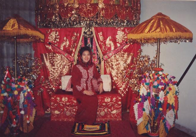 SELAMAT DATANG dari Ibu Hj. Mis Sabirin Tjaja