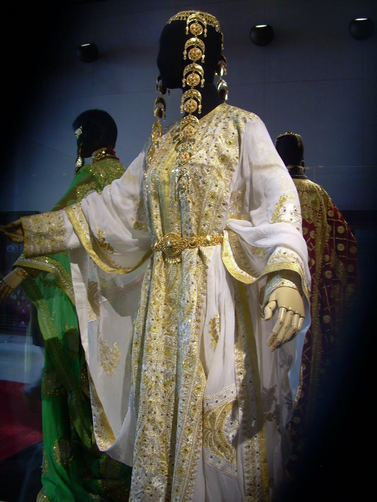 Wedding Dresses Qatar : Costume history is fun brides of the arab world kuwait and qatar