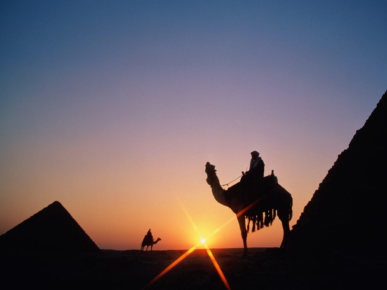 http://3.bp.blogspot.com/_Cw3TduNUQn0/TSvXxgVzc7I/AAAAAAAAAEg/qsfcX5Z-sIk/s1600/Pyramid%2BSunset%252C%2BGiza%252C%2BEgypt.jpg