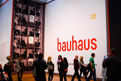 nyc nyc bauhaus 1919 1933 workshops for modernity at the museum of modern art. Black Bedroom Furniture Sets. Home Design Ideas