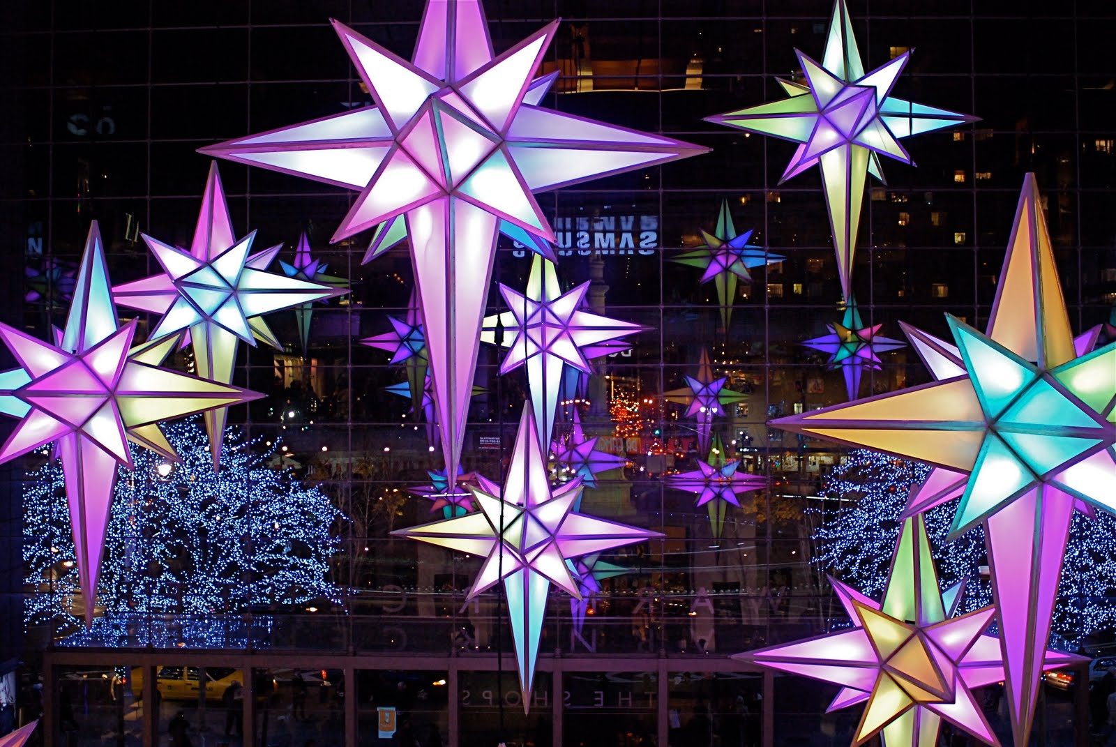 NYC ♥ NYC: Holiday Under the Stars 2009: Visual-Sound Display at Time Warner Center