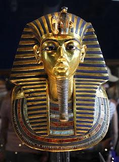 Enigmas en la precoz muerte de Tutankamón
