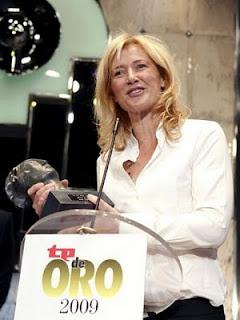 Ana Duato recoge el TP de Oro a la mejor Actriz, durante la gala de entrega de los premios TP de Oro 2009. EFE