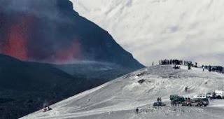 Una nueva erupción en el sur de Islandia. AFP
