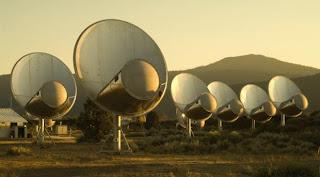 Instalación en California del proyecto SETI que intenta captar señales de civilizaciones extraterrestres. SETI