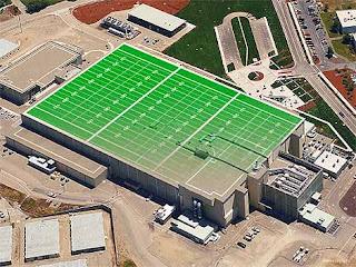 El edificio que alberga el láser tiene el tamaño de tres campos de fútbol americano