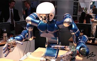 Justin, el robot desarrollado por DLR (Agencia espacial alemana). PHRIENDS