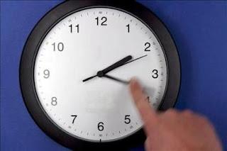 Los relojes se atrasan para recuperar el horario de invierno