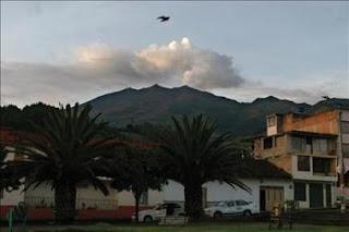 Alertan de la probable erupción del volcán colombiano Galeras en los próximos días. EFE