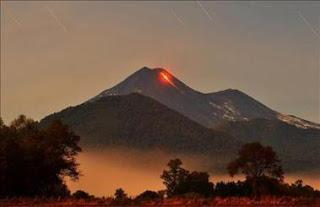 Alerta amarilla por la actividad del volcán Llaima. EFE
