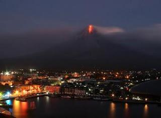 El volcán Mayón, en el centro de Filipinas, es el más activo del país- AF