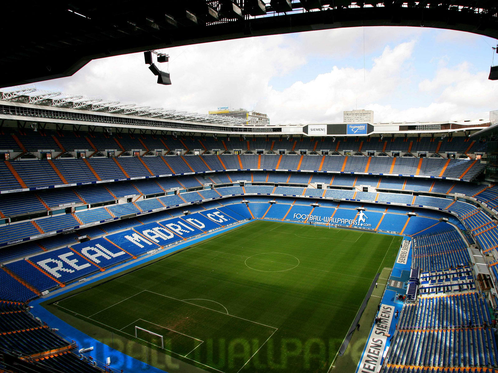 Amazing wallpapers beautiful stadium for Puerta 4 santiago bernabeu