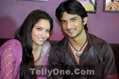 Ankita Lokhande And Sushant Singh Rajput Shoot For People - Ajilbab