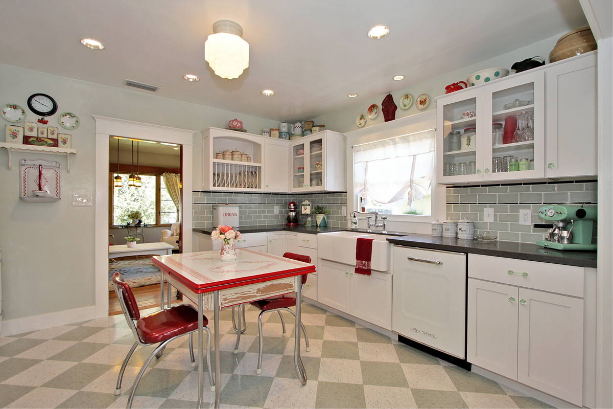 Retro Kitchen Flooring Ideas