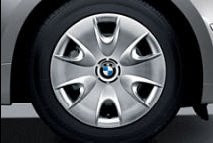 BMW 1 Steel wheels with full wheel covers,