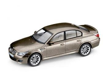 miniature BMW M5 E60 Bronze