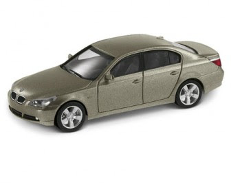 miniature BMW 5 Series Saloon Olivin color