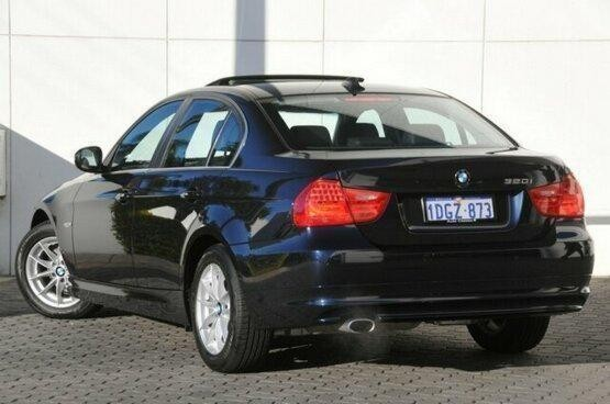 used 2010 BMW 320i Sedan