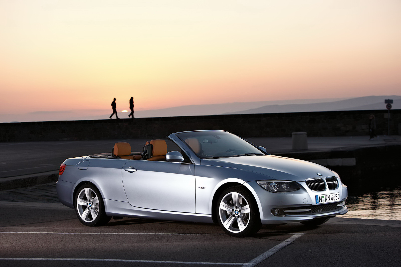 Bmw Lifestyle World 2011 335i Xdrive Convertible Metallic