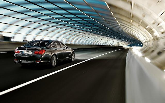 2011 BMW 750i Sedan