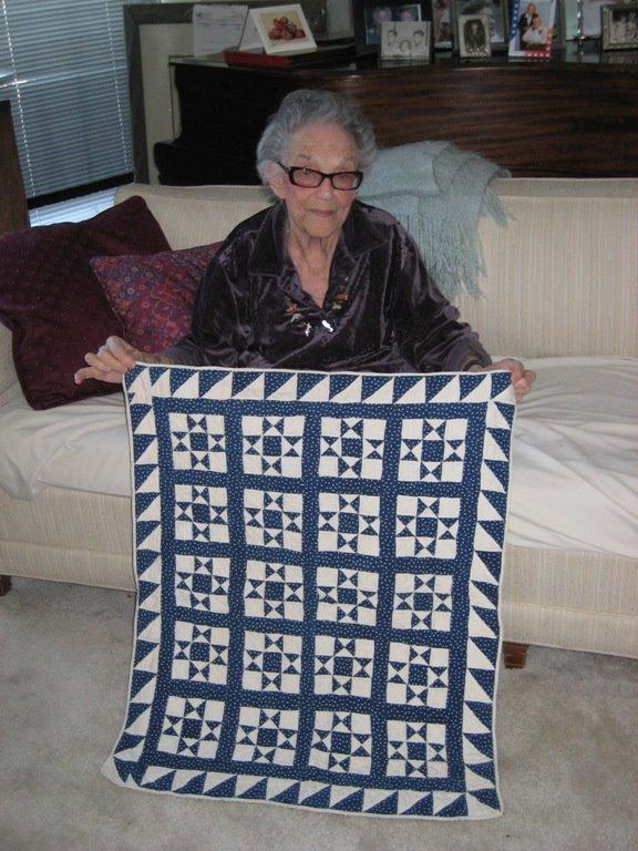 [SM-mom-quilts+5-17-09+001.jpg]
