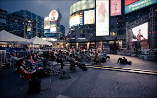 DS Room for Squares (Free Movies at Dundas Square)