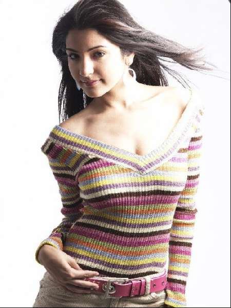 anushka sharma hot pics from badmash company. 2011 anushka sharma photos,