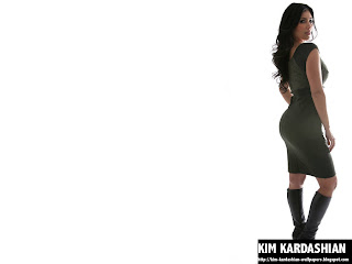 Kim Kardashian Green Dress Wallpaper