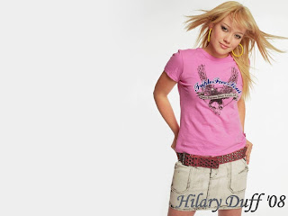Hilary Duff Pink Tshirt Wallpaper