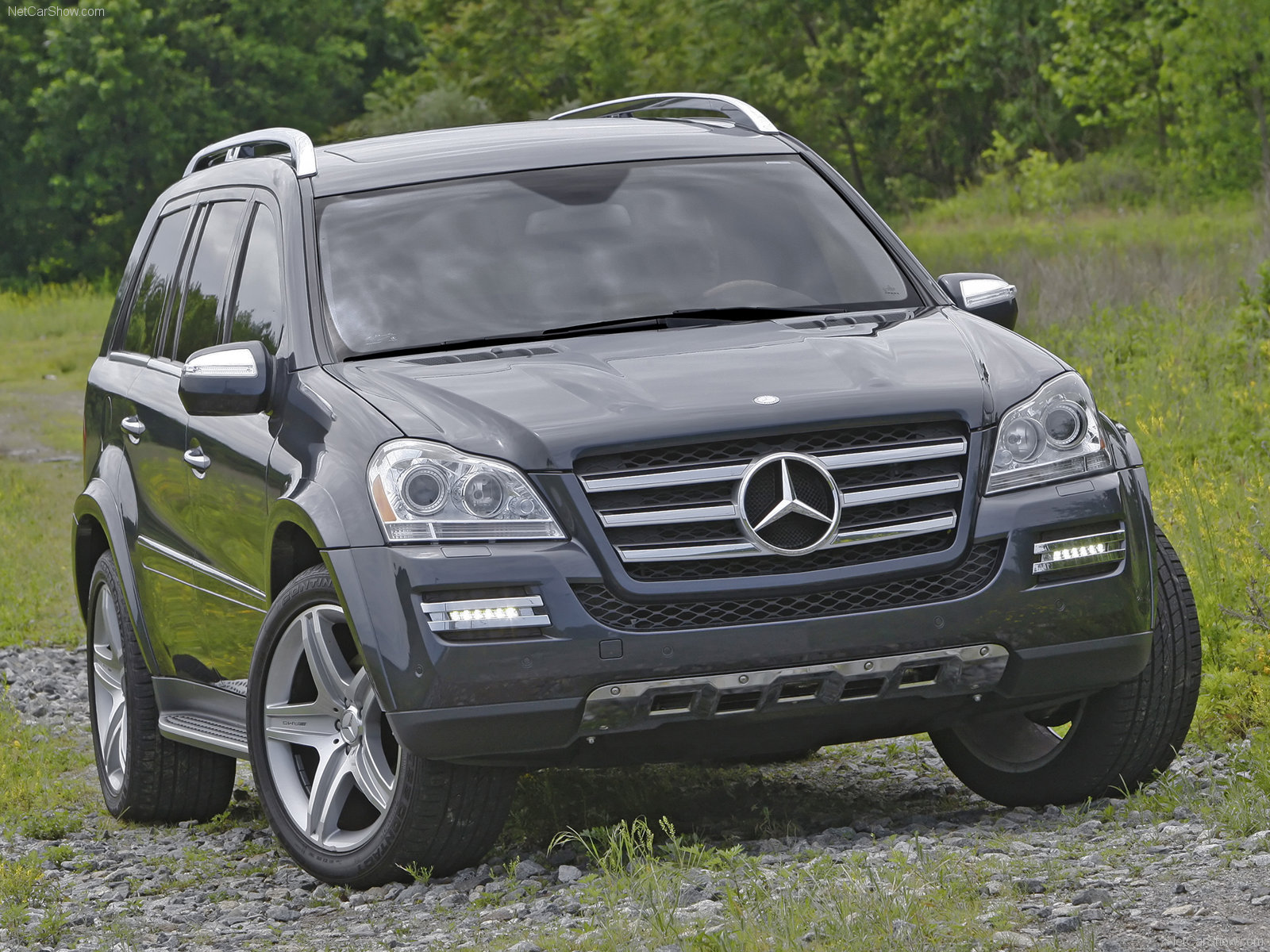 Autozone mercedes benz gl 350 cdi launched in india for Mercedes benz suv india