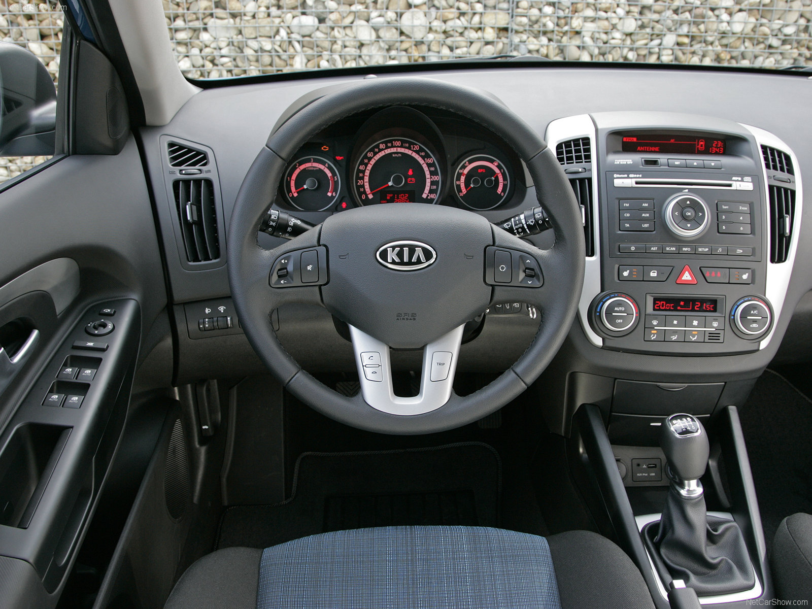 bhanyak's blog: 2010 KIA CEED PHOTOGALLERY AND WALLPAPERS