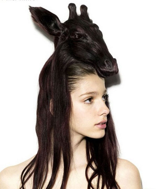 Scary Vampire Halloween Hairstyle for Women