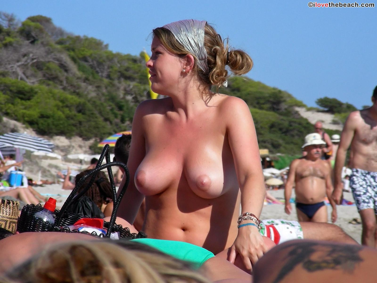 2 hot girls 822 - 2 4