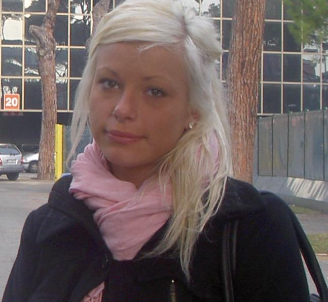 flickvän åker till rhodos Umeå